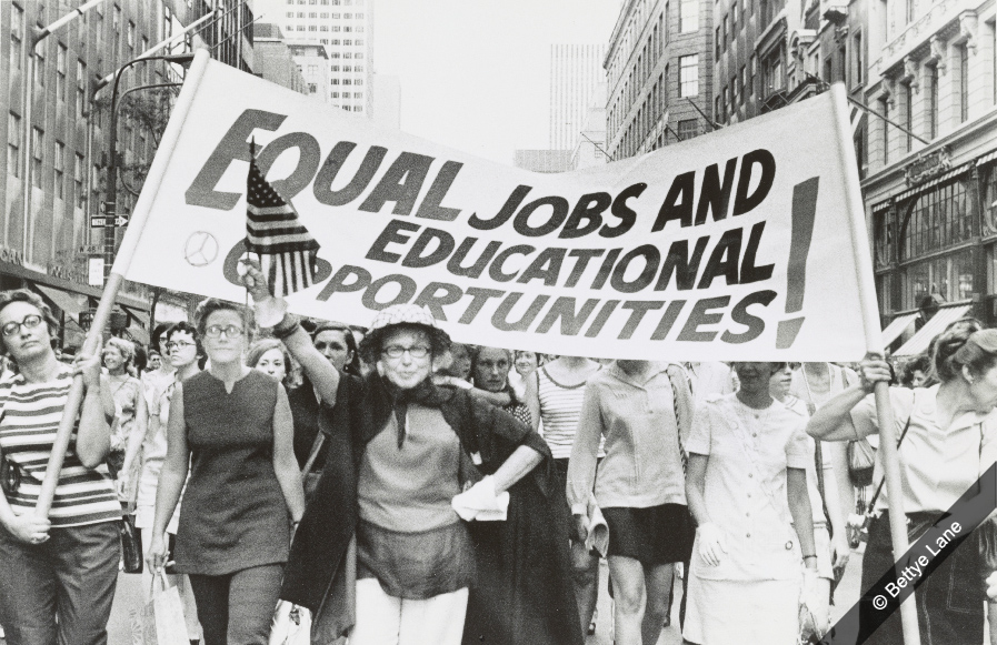 discrimination gender and the economy in the state of new york By natalie sherman business reporter, new york  was due to a policy that set  salaries based on prior pay, not gender discrimination.